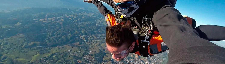 Salto de Paraquedas 2-wide