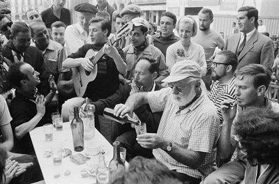 Ernest Hemingway- Cultura europeia do café e do terraço